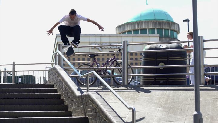 A few hours with @joorgesimoes in London for @greyskatemag & @volcomskate ...